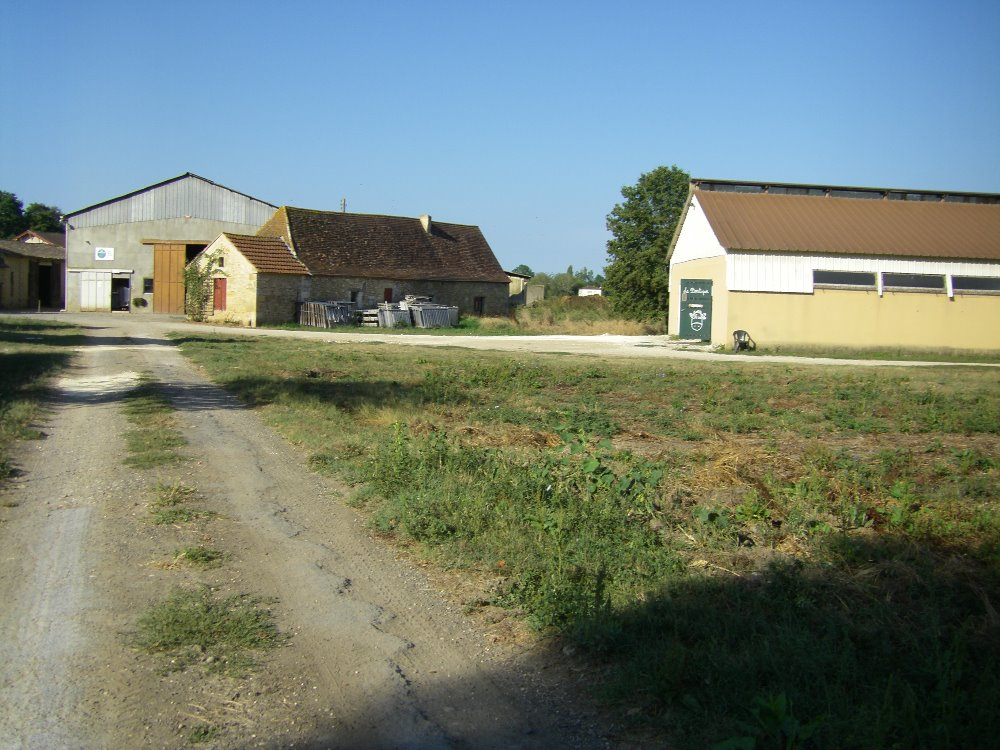 Aire camping-car à Saint-Germain-et-Mons (24520) - Photo 2